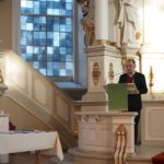 Landespastor Ahrens moderierte die Veranstaltung und übergab die Urkunden.