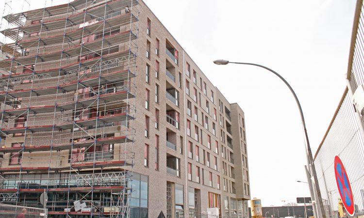 Das neue Angebot in der HafenCity liegt zentral und hat eine Begegnungsstätte im Erdgeschoss. Anfang August 2019 werden die Gerüste abgebaut.